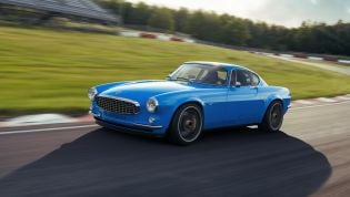 Volvo P1800 Cyan revealed with race car heart