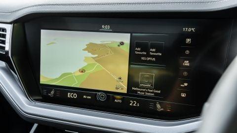 Volkswagen Discover Premium infotainment video review
