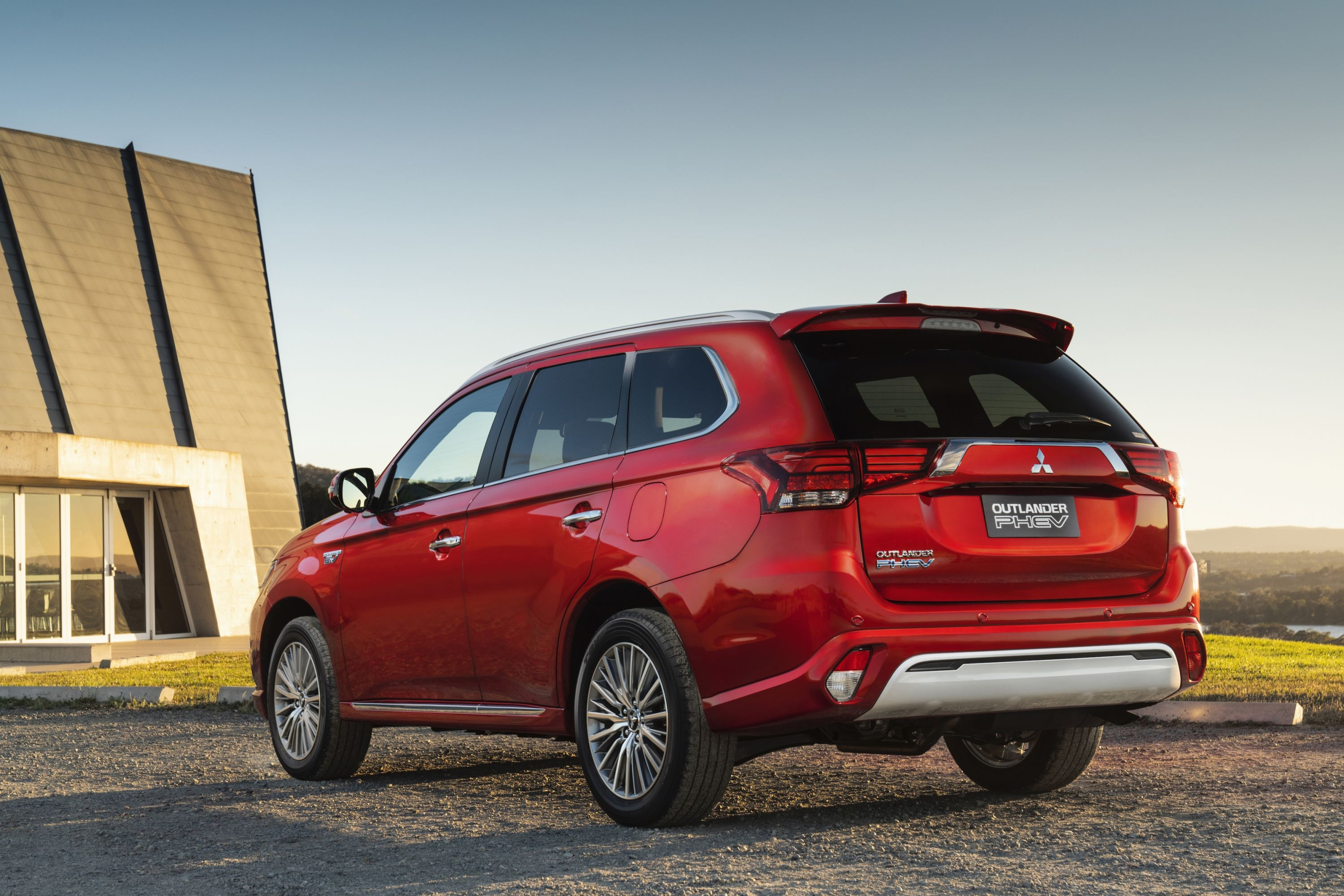 2020 mitsubishi outlander pricing and specs   carexpert